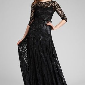 Black Lace Pituck Formal Gown